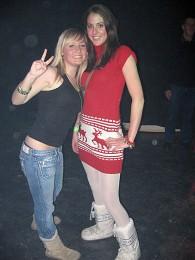 Rechts Emmy en Tanja, links twee schoolgenootjes.