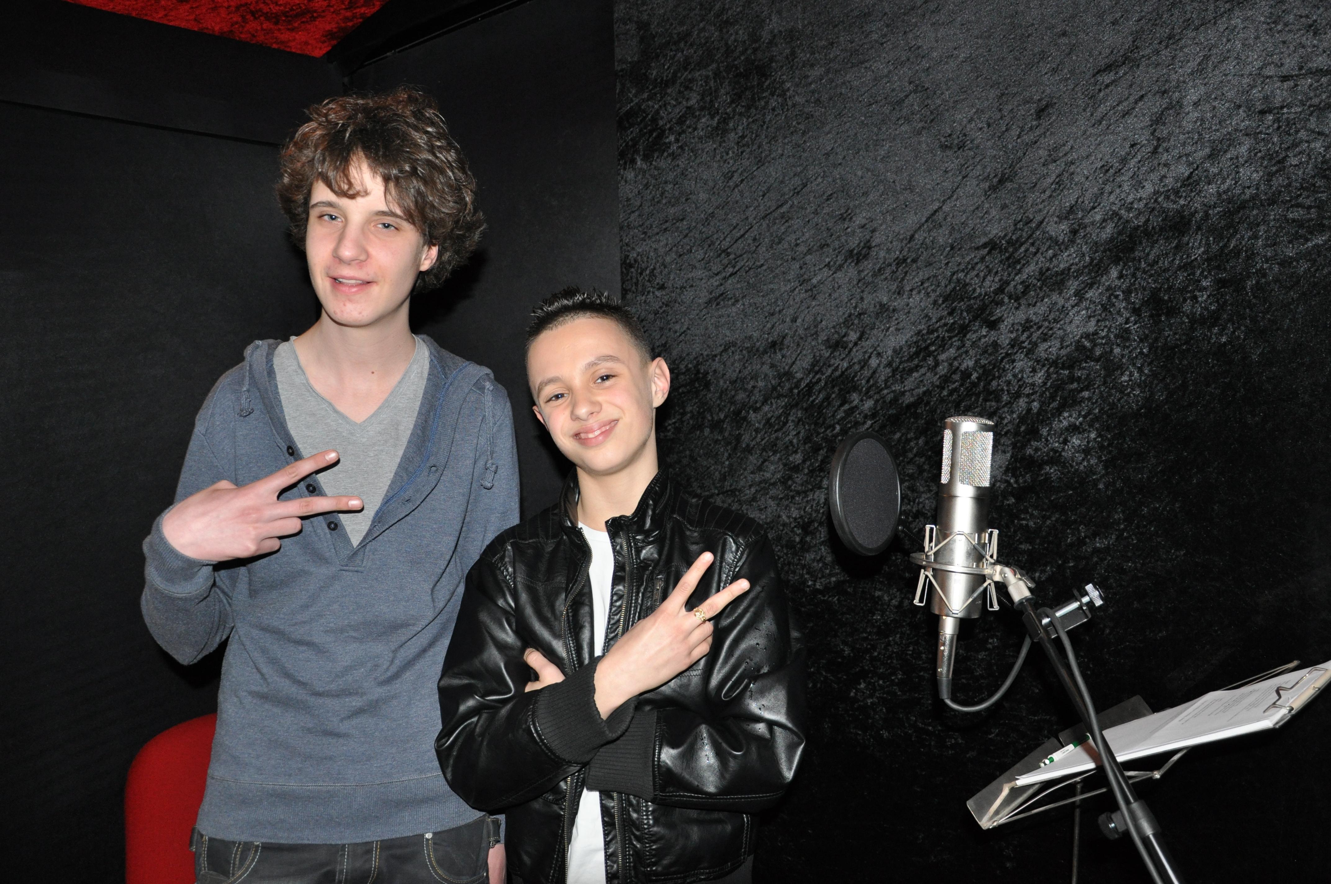 Reporter Rutger & rapper Monsif.