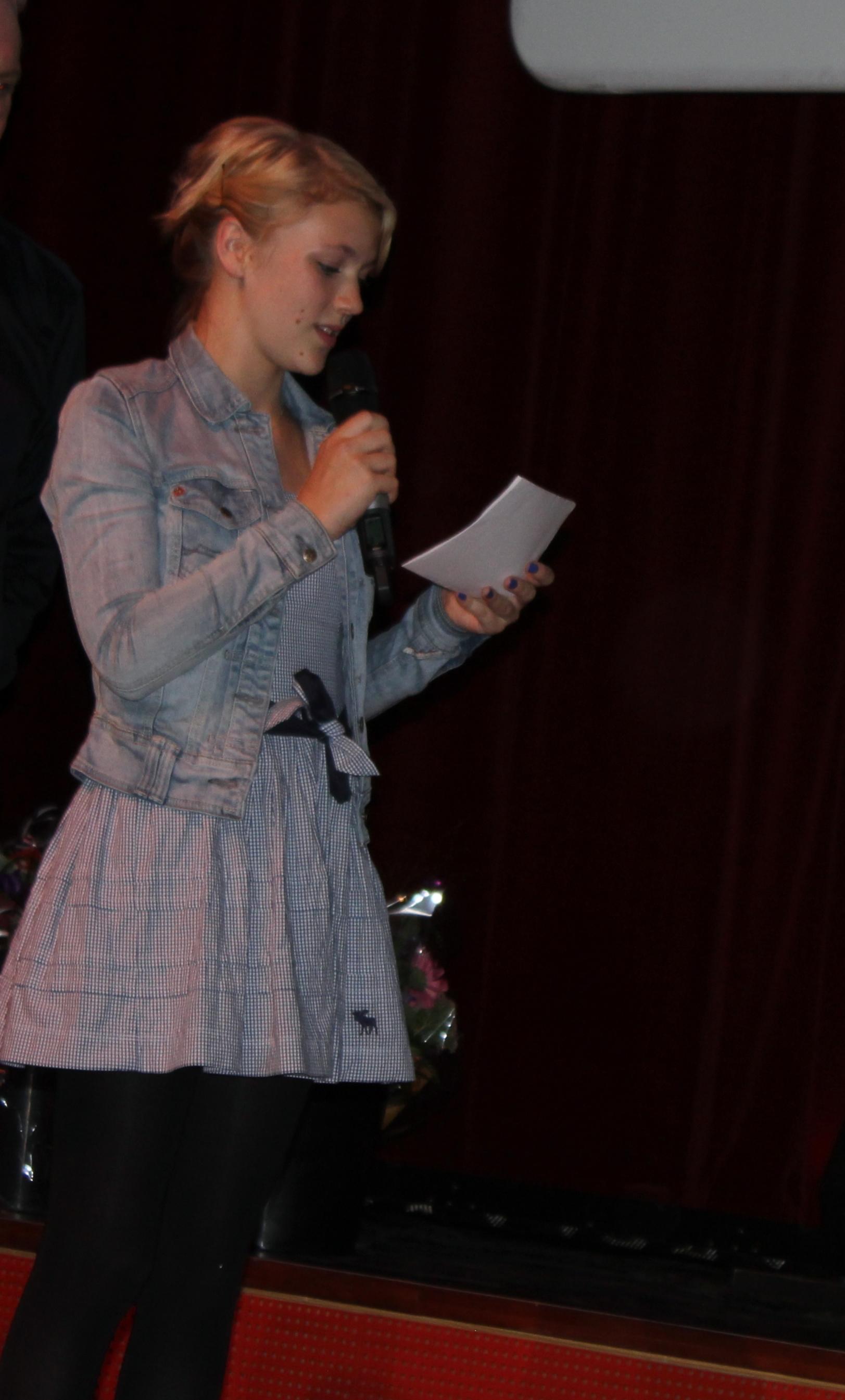Jurylid Hannah Obbeek in actie. (Foto: Wouter Hermans)
