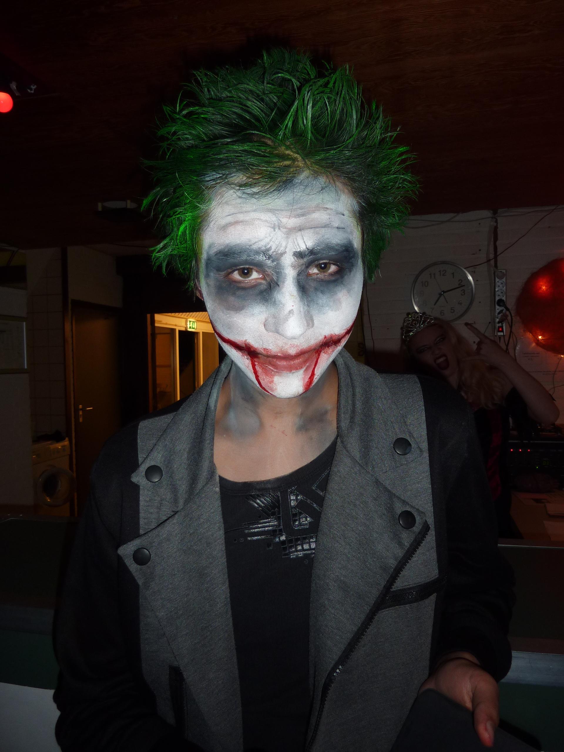 Hoe Ga Je Verkleed Met Halloween.De Vijf Tofste Halloween Outfits Scholieren Com