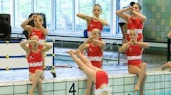 Ballet + muziek + water = ?
