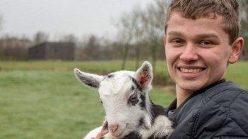 Boer Rene (18) geeft niets om de meningen over zijn droombaan
