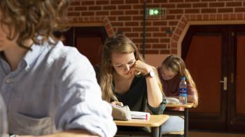 Vmbo'ers moeite met lange teksten in examen Duits