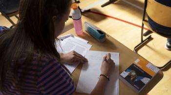 Scholieren 24 uur in quarantaine voor examen tweetalig onderwijs