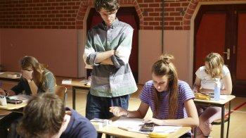 Voorspelbaar examen Nederlands met leuke teksten