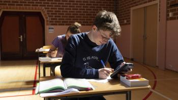 Veel uitlegvragen op lang vwo-examen natuurkunde