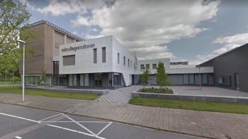 Docent Eindhovense school ontslagen na helpen leerlingen met examen Duits