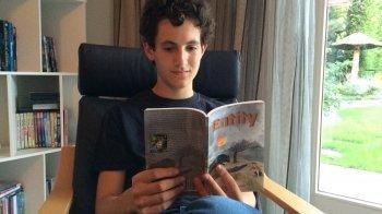 Cas (16) maakte een boek van z'n schoolopdracht