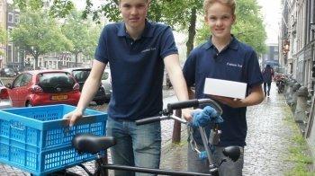 Bas (16) en Willem (15) zijn de croissantboys