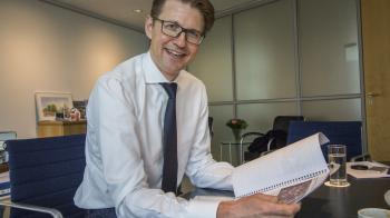Staatssecretaris Dekker reageert op schoolplannen