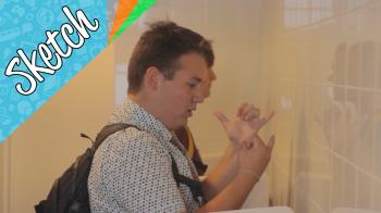Sketch: dit doen meisjes/jongens op het toilet
