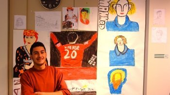 Vluchteling Nader (18) wil profvoetballer worden