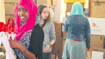 Spullen sorteren voor vluchtelingen
