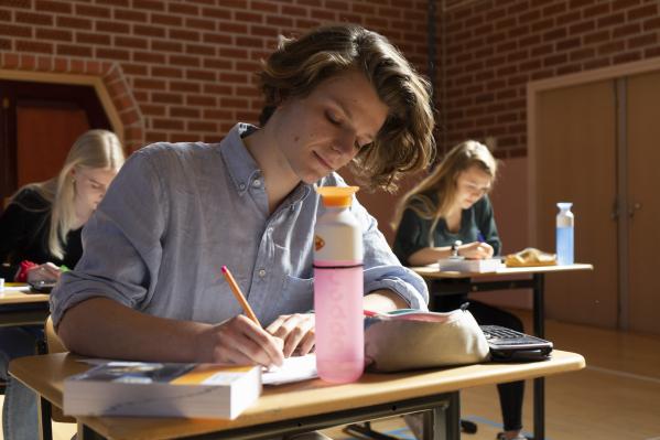 Veel rekenvragen, maar ook fouten in vwo-examen m&o