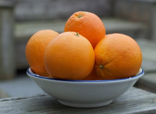 Gedicht: Schaal met sinaasappels